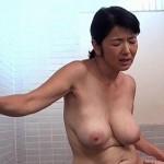 ピンクの乳輪の爆乳妻、上島美都子53歳が近親相姦でアブノーマルセックスにハマる!