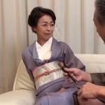 着物の下はノーパンノーブラだった書道の先生、藍川京子55歳が教室で生徒の筆おろし
