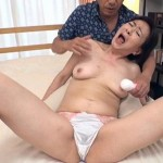 52歳のおばさん家庭教師、白鳥美智子が垂れたオッパイで童貞を誘う!