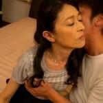 生活感あふれる普通の五十路熟女ペチャパイなのに垂れた有賀由美子52歳