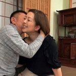 60歳の人妻山本遥の秘貝が濡れる!若い男優に中出しされて逝き狂い