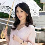 長身でガリガリな身体にEカップのエロ美乳の四十路熟女・立花涼子43歳初撮りで中出しセックス