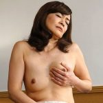 マン毛ボーボーの剛毛四十路熟女笹川蓉子!中出しされて燃える46歳の人妻
