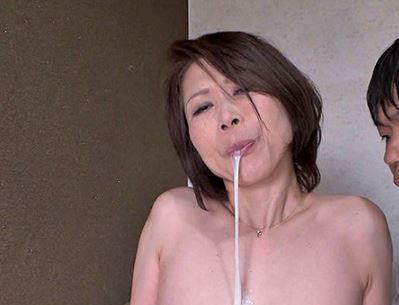 禁断の近親相姦にハマる鈴波朋子46歳!乳首を揉まれて逝きまくる熟女