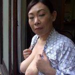加賀美しずか 120cmオーバーの巨大乳輪Jカップのバストを持つ45歳のおばさん鮮烈デビュー!!