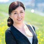 52歳のポッチャリおばさん 楠木登和子が三段腹揺らして最高潮セックス!