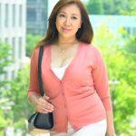 51歳のぽっちゃり熟女が何と!天然パイパンのツルツルオマンコでイク藤咲瞳
