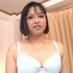 48歳メガネ熟女に顔面射精!仲山由紀江の初撮りセックスは連続中出しイキまくり交尾!