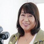 Hカップのポッチャリおばさん吉永明世55歳110cmの垂れた爆乳パイズリでイク!