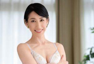 ガチイキ!五十路熟女・瀬良ゆきえ50歳太いおばさん声で大絶叫で果てる!