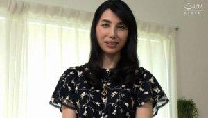 セレブでスレンダー五十路妻 鶴川牧子53歳が濃密セックスで本気のアへ顔