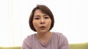 色白下半身ポチャ体型 新見悠51歳バツイチ熟女がセックス快楽を貪る動画