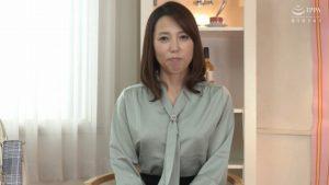 何度も痙攣ガチイキするアラフィフ熟女 真崎理恵子48歳 連続中出しセックスでイキまくり!